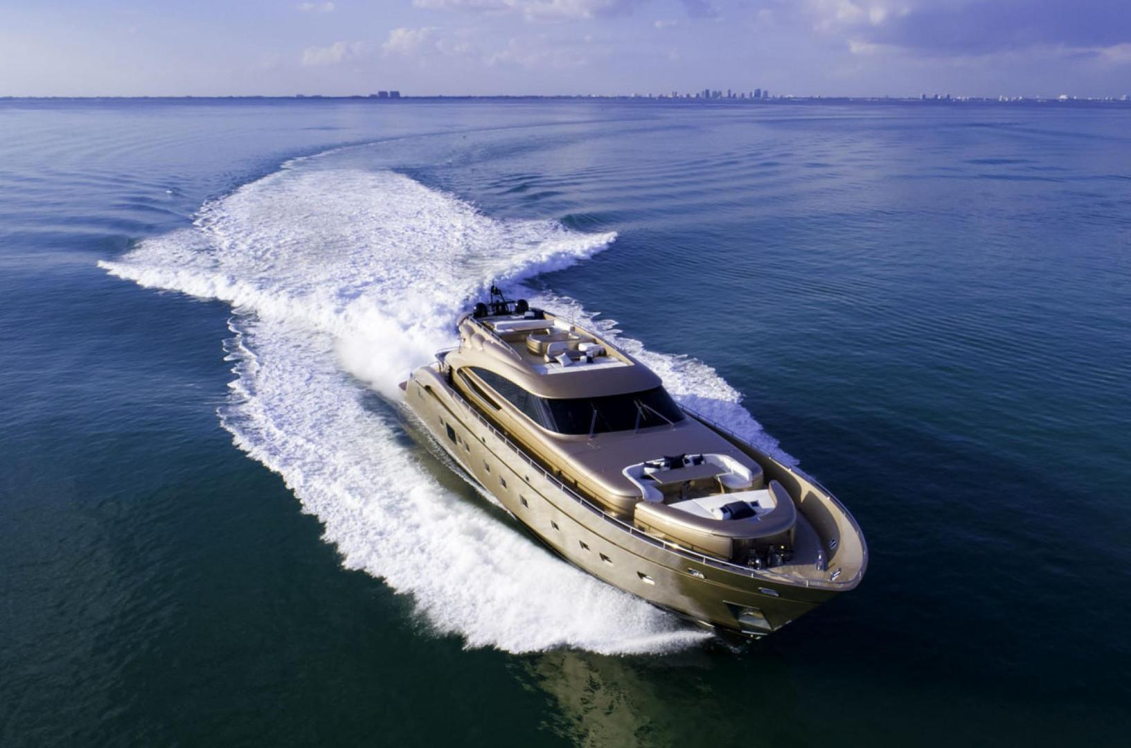 Yacht FIVE WAVES - underway