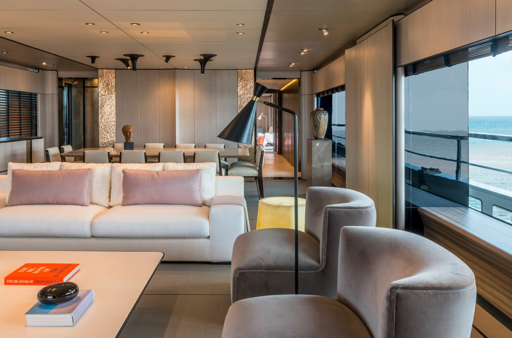 Yacht ENDEAVOUR 2 - saloon & dining
