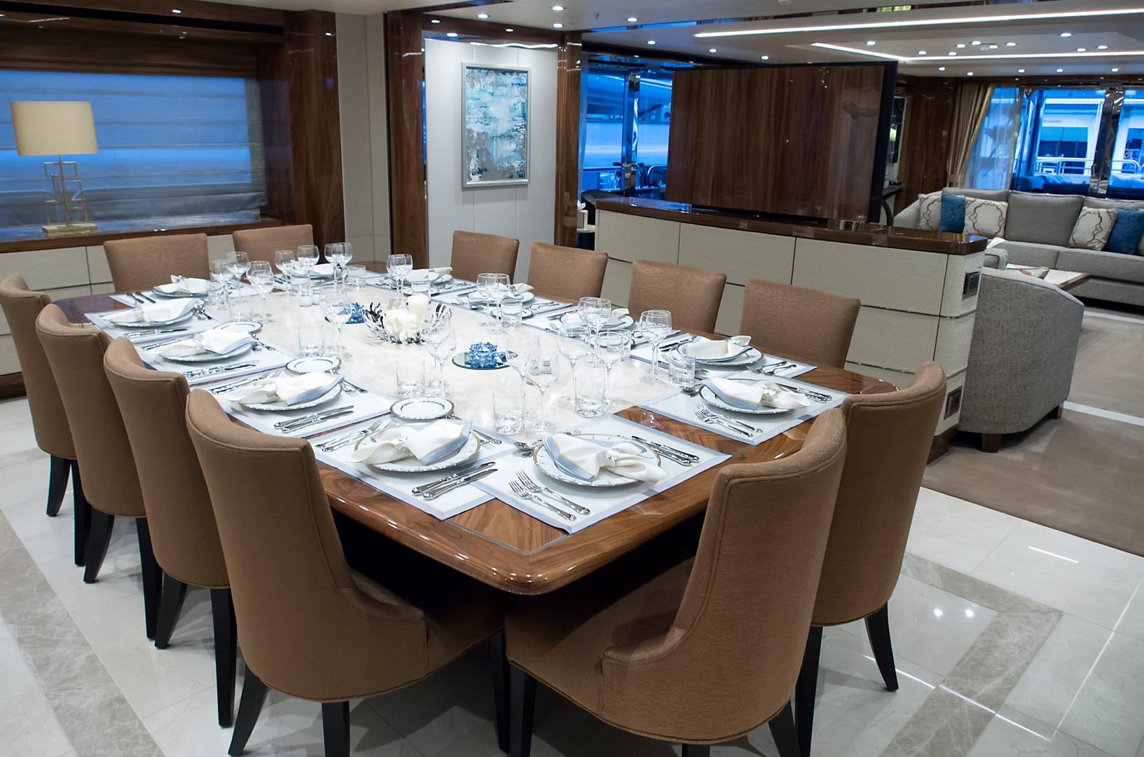 Yacht PRINCESS AVK - formal dining
