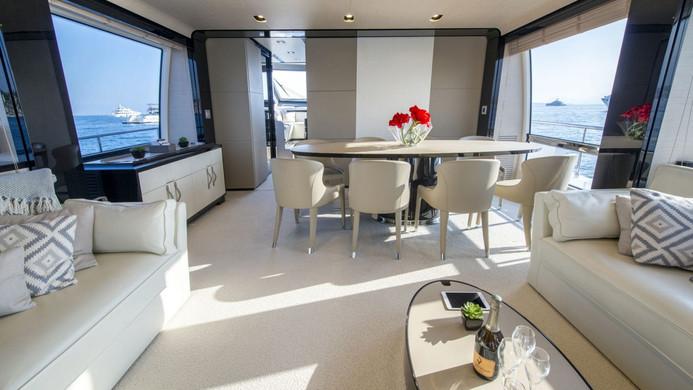 Yacht INVICTUS - formal dining