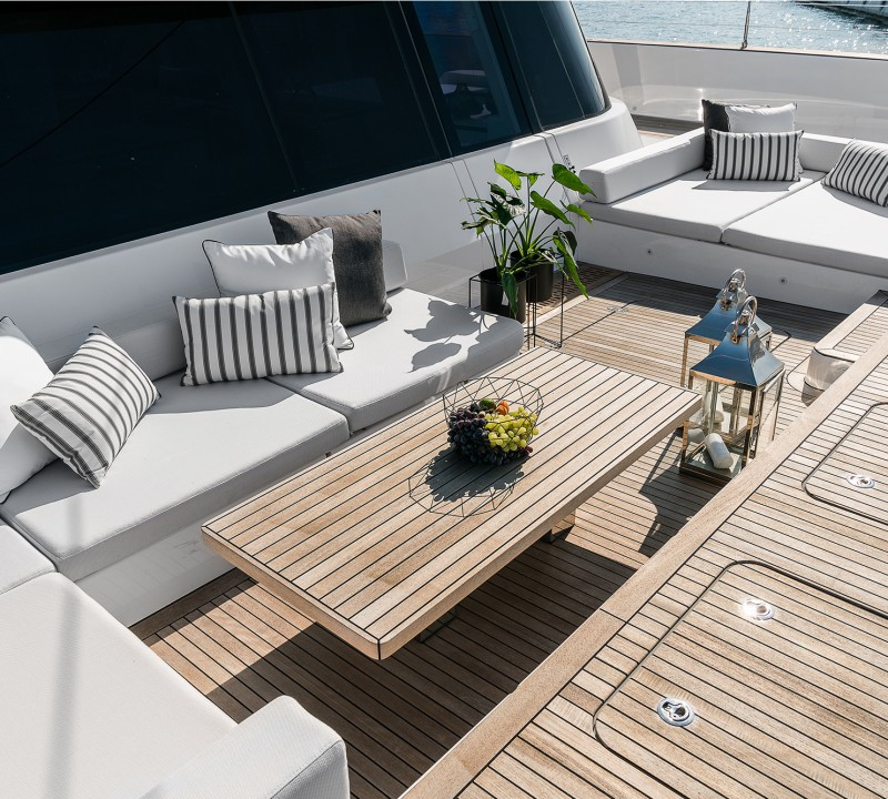 Yacht ABOVE Sunreef 80 - foredeck louning and seating