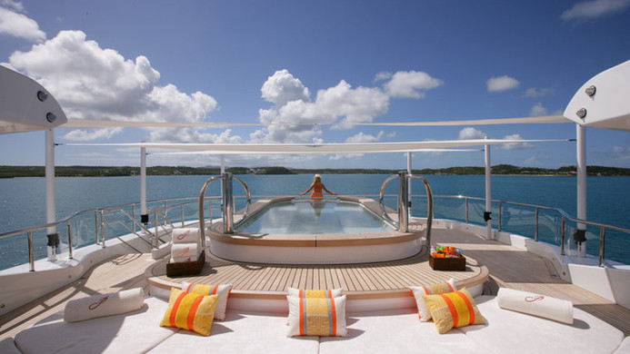 Yacht AMARYLLIS - pool and sunpads