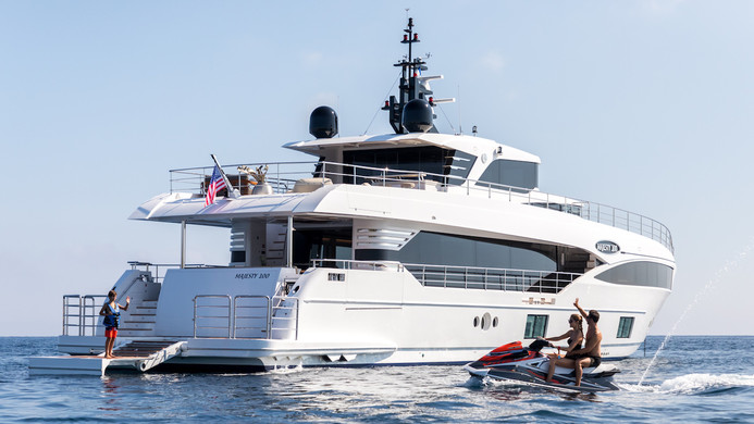 Water sports from the yacht at anchor
