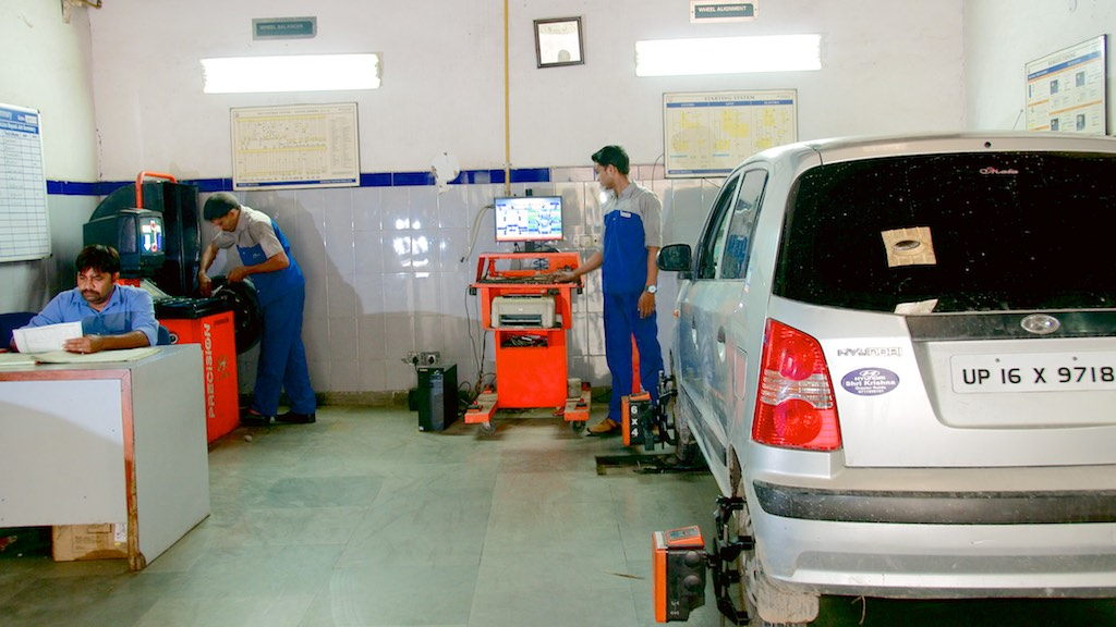 Wheel Alignment  and Wheel Balancing MC.