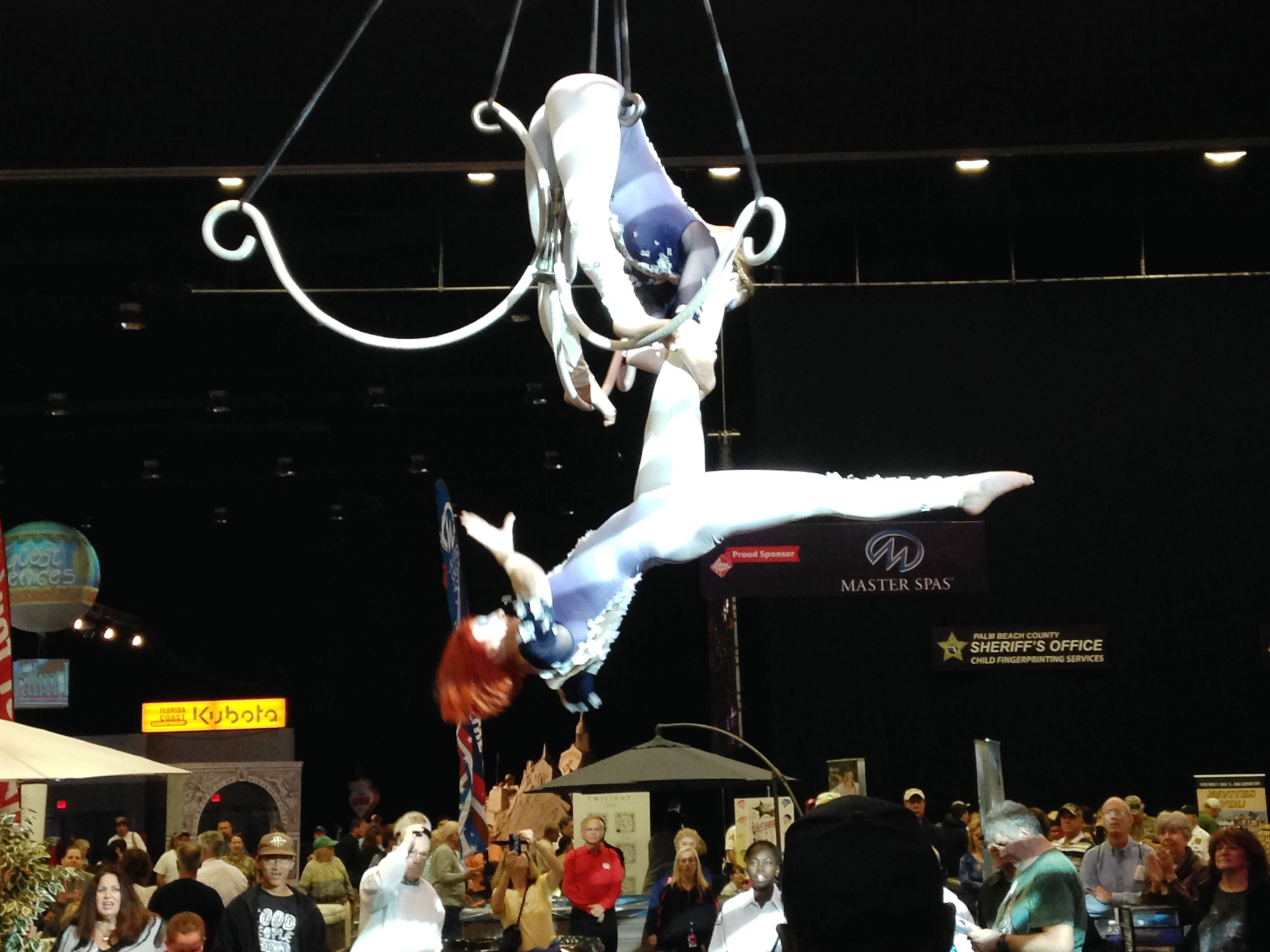 SFFair_Vegas Acrobats perform above the Expo Center Crowds_2015