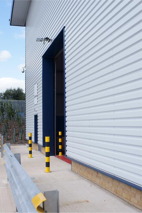 Loading bay entrance in a warehouse or i
