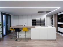Reforma integral piso U&P en Lorca, cocina abierta al salón