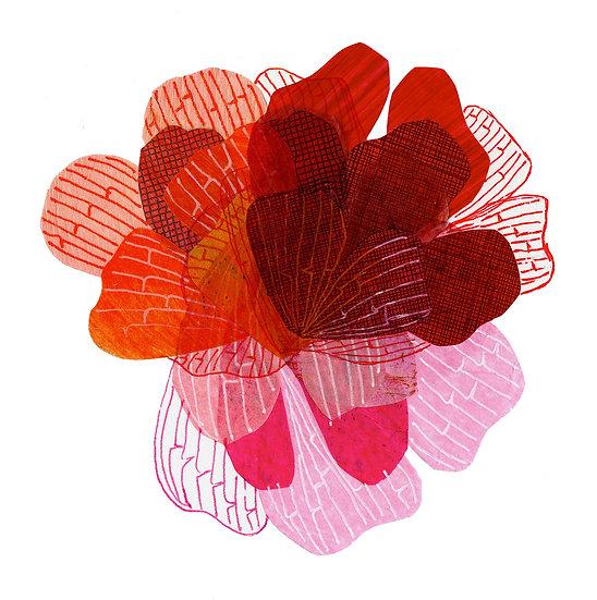 Petal Tricolor Print - Red
