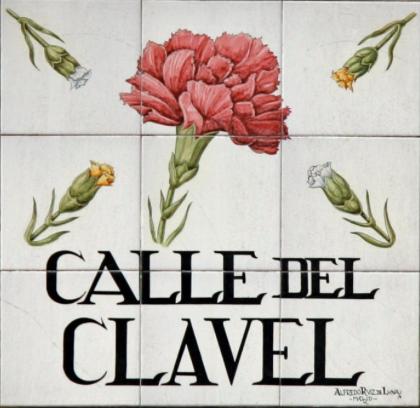 LA LEYENDA DE LA CALLE DEL CLAVEL