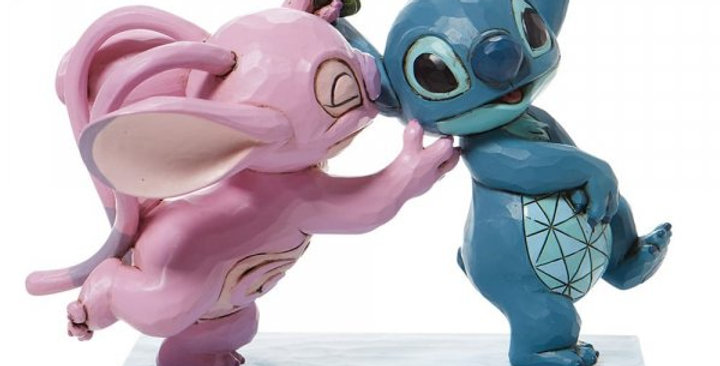 Disney Traditions - Mistletoe Kisses