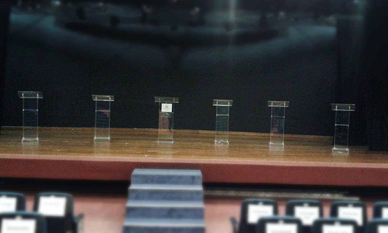 Púlpitos BÁSICO para debates