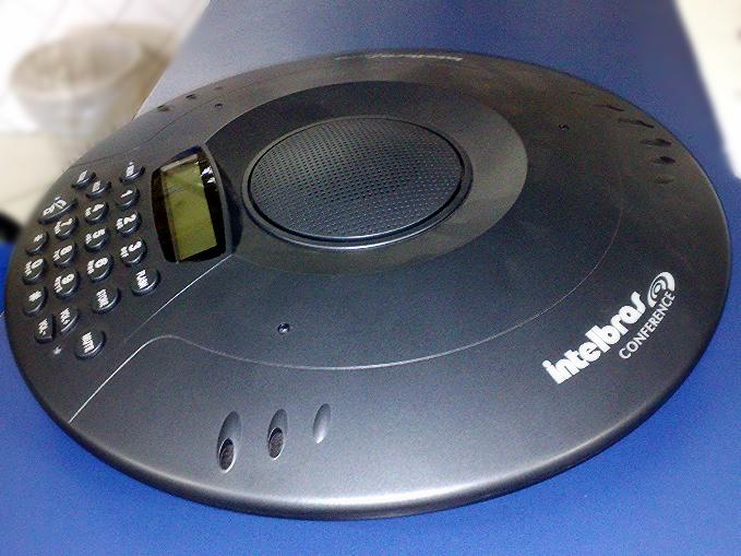Telefone viva voz p audiocondefência