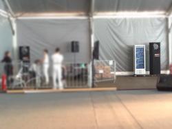Geladeira porta de vidro em evento