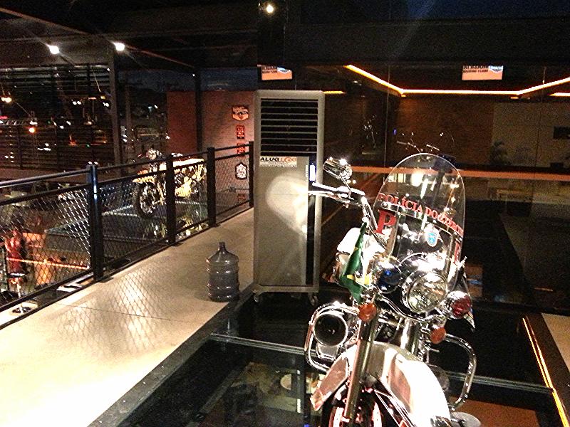 Harley Davidson Policial (1º piso)