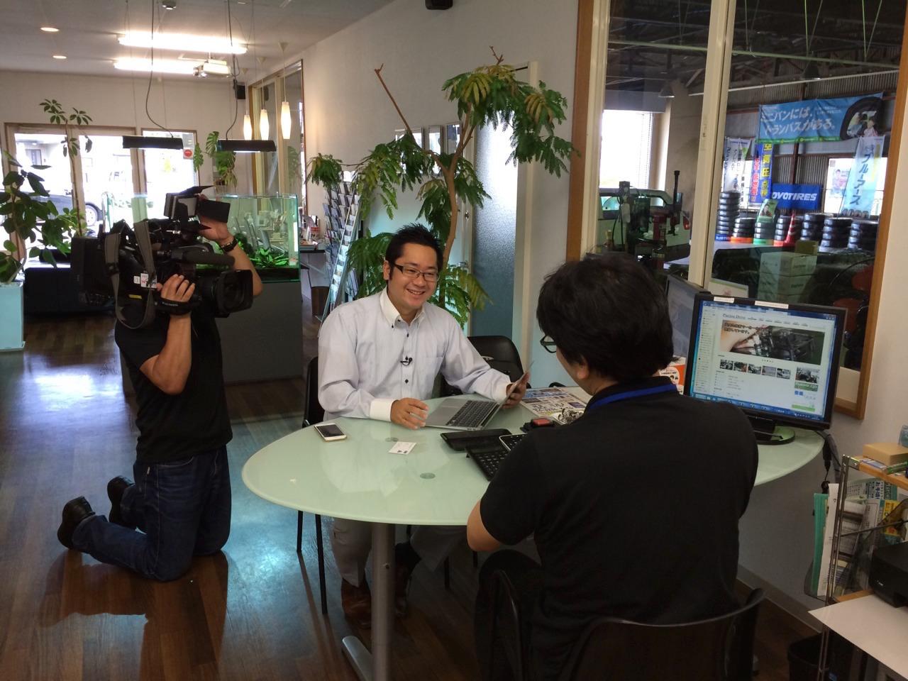 テレビ東京『ワールドビジネスサテライト』 に取材を受けた際の様子(2015年)