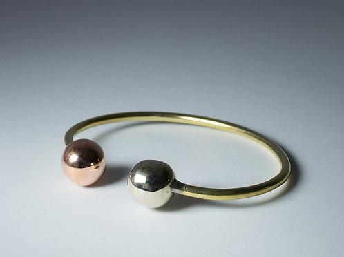 3 Metales Delgada con Bolitas