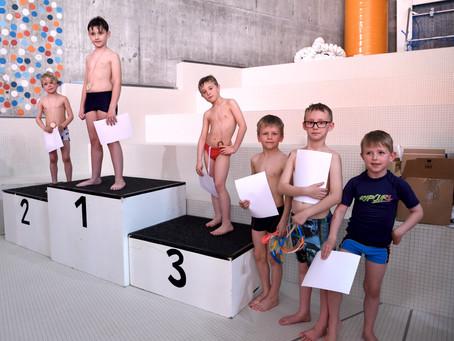 """""""De schnällscht Geisifisch"""" – Schülerinnen Schwimmwettkampf mit Spassfaktor"""