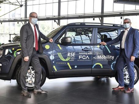 Fiat Chrysler testet zusammen mit RSE die Hybrid-Technologie des Jeep® Renegade 4xe im Alltag