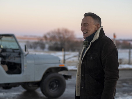 "Bruce Springsteen führt die Jeep Super Bowl Kampagne 2021 ""The Middle"""
