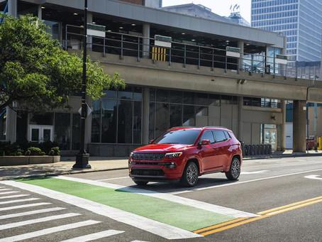 Jeep®, Ram und FIAT werden gemeinsam mit (RED)® die ersten Mehrmarken-Automobilpartner
