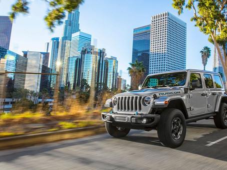 Neuer Jeep® Wrangler 4xe ergänzt Renegade- und Compass 4xe-Modelle