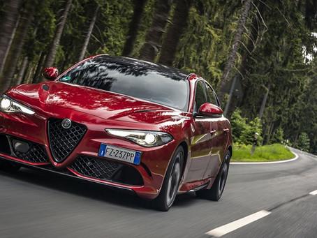 "Alfa Romeo Giulia Quadrifoglio zum ""Sportwagen des Jahres"" gewählt"