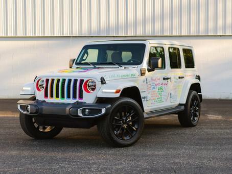 Stellantis und die Marke Jeep® führen die Motor City Pride Parade an