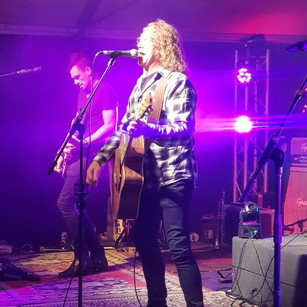 Crafty rockin' out with Screaming Jets/Angels Lead Vocalist Dave Gleeson - Gawler Fringe Event 2018