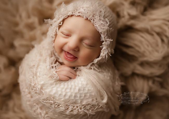 NW indiana newborn photographer