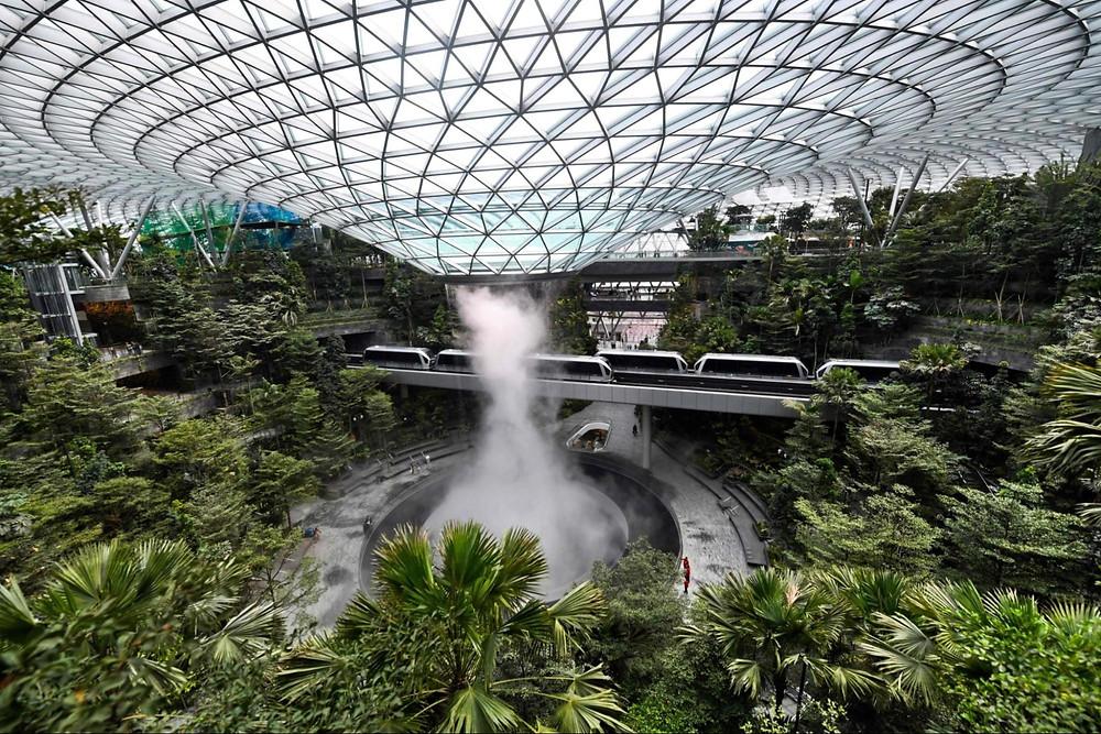 singapore changi airport environmentally friendly