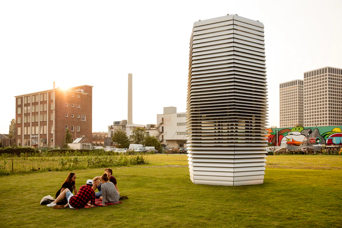 Studio Roosegaarde smog cleaning tower