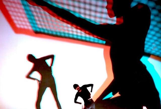 I love shadows.__#3d #anaglyph #feminist