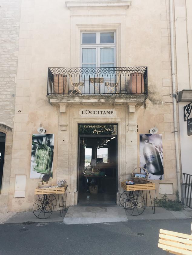 gordes south of france travel blog