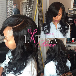 That closure tho 😍😍. If your closures don't look like this , then you shouldn't be wearing them 😩