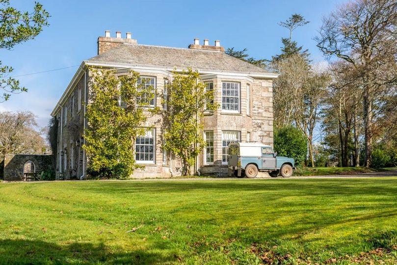 Boconnion intimate Cornwall wedding venue