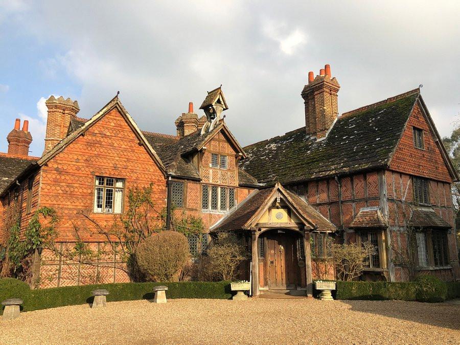 Langshott Manor Surrey intimate wedding venue