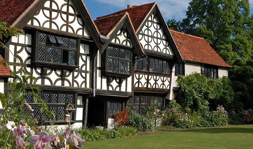 Great Tangley Manor in Surrey perfect for micro weddings