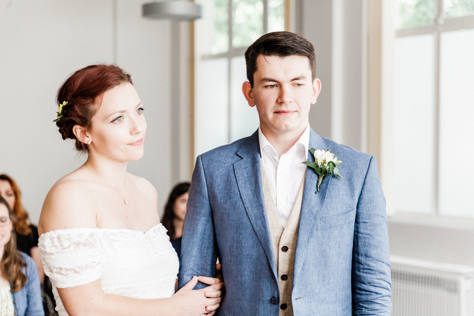 Relaxed wedding ceremony in Aldershot, Hampshire