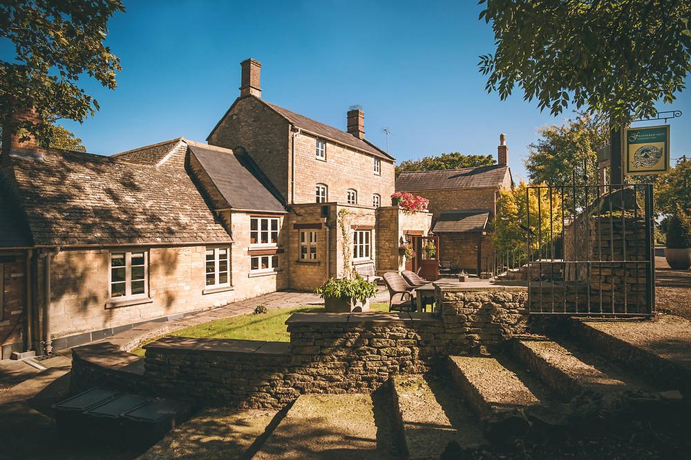 Feathered Nest Inn Oxfordshire intimate wedding venue