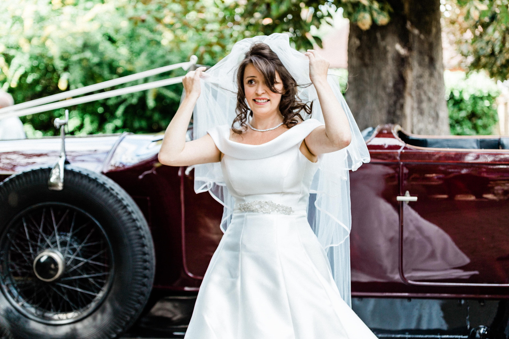 Natural candid wedding photography of Berkshire bride
