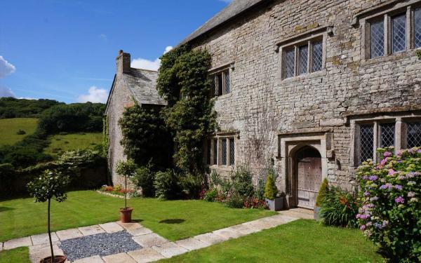 Pengenna Manor intimate Cornish wedding venue