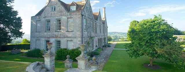 Hatch House intimate Wiltshire wedding venue