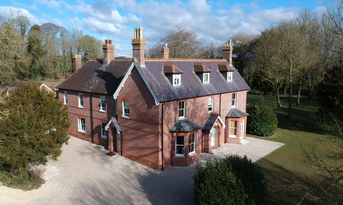 Abbots Court a luxury Dorset wedding venue
