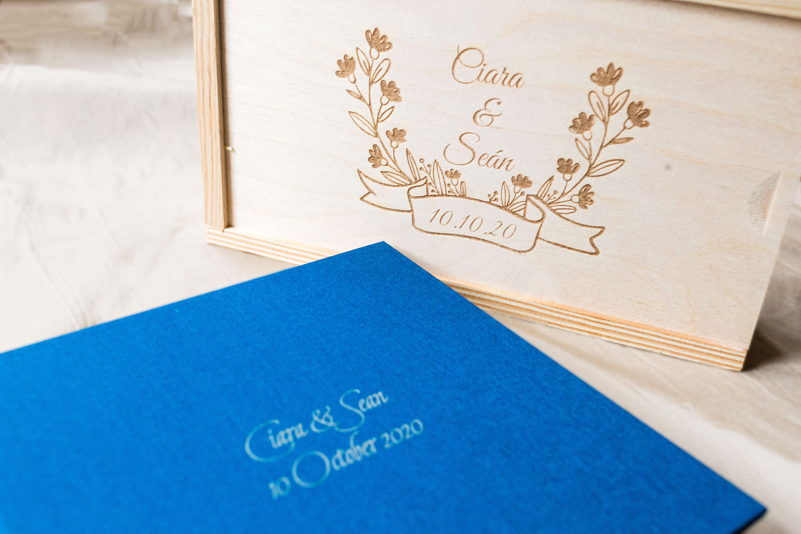 Wedding photo album and wooden print box