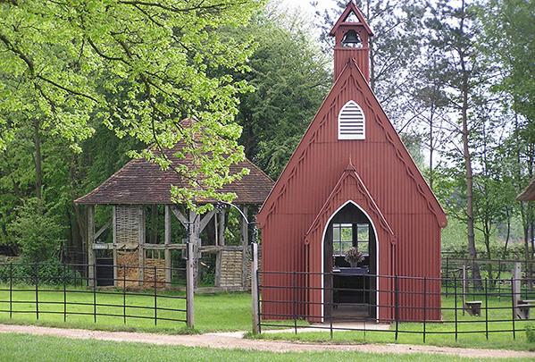 Henton Tin Chapel, small wedding venue in Bucks