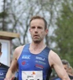 Sterk løping i 3000 m baneløp!