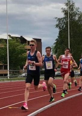 Like bak NM-kravet på 10 000 m for Erik Grimstad!