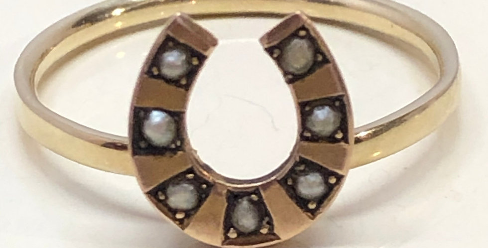 Edwardian gold and pearl Horseshoe ring
