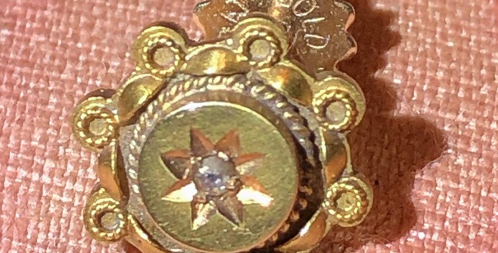 15ct gold Victorian stud with gypsy set diamond