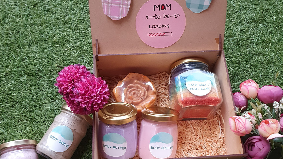 Mom-to-be Gift Hamper